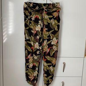 Billabong  Floral Printed Soft pants